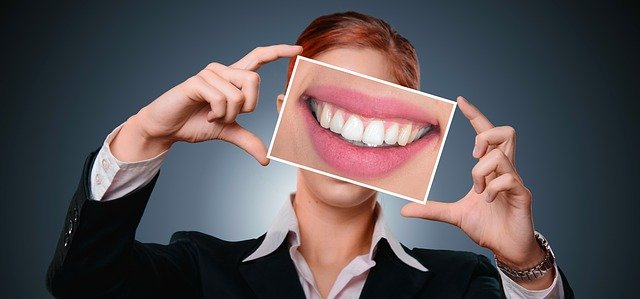 Get White, Shiny Teeth Quick And Simple