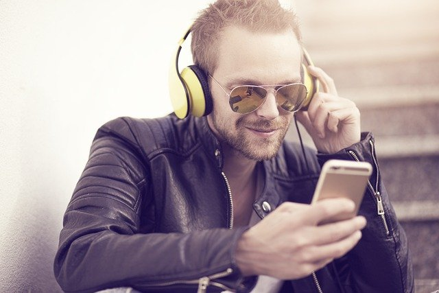 Make Downloading Music From The Internet